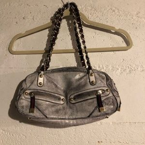 "Handbags - ""Guess bag"" reserved"